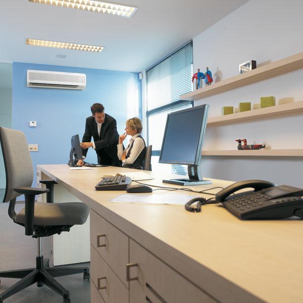 Väggmodell på kontor